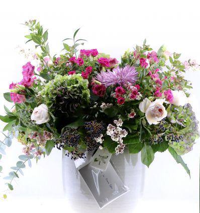 Cerámica Gris con Flores