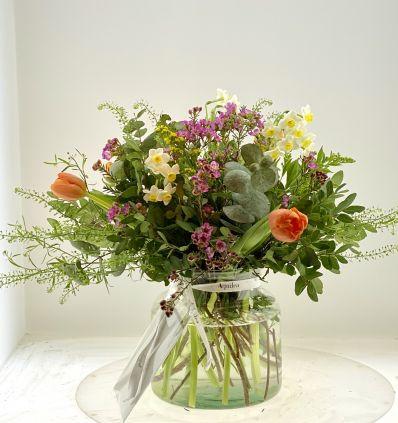 Cristal con flores silvestres