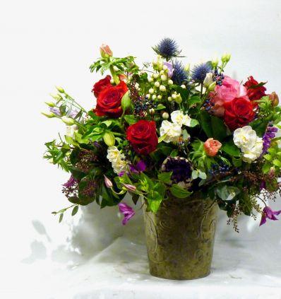 Zinc con flor de temporada