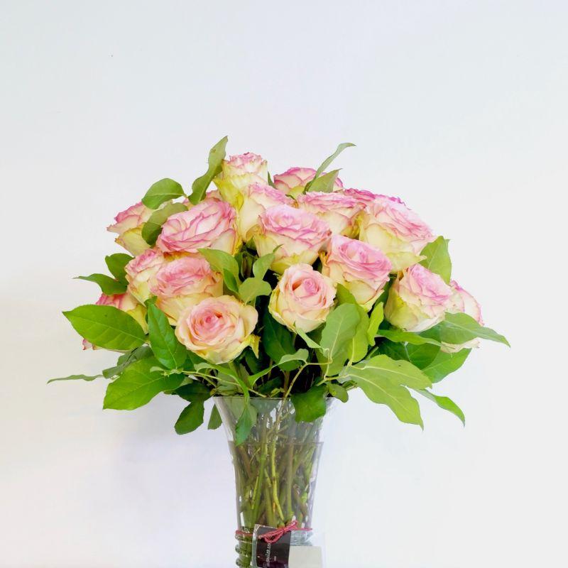 Jarrón Cristal verdoso con rosas